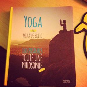 Yoga-livre-postures-philosophie-Mika-de-Brito